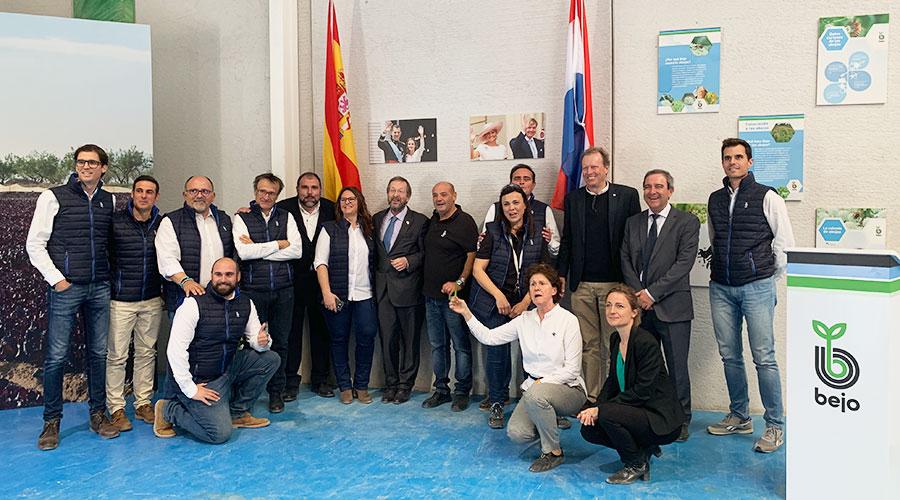 El embajador holandés visita las instalaciones realizadas para la mejora y producción de semillas en Murcia