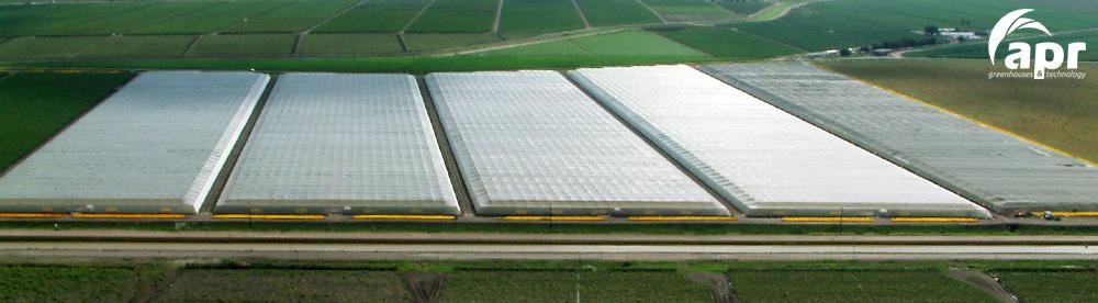 Invernaderos malla sombra casa sombra for Construccion de viveros e invernaderos